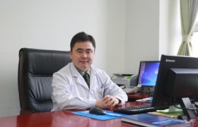北京何玺玉医生:孩子个子不高可以打生长激素吗?