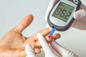 """血糖不稳手知道手上若有这4种症状血糖或已超标及时检查"""""""