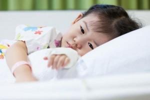 为什么许多儿童一伤风发烧扁桃体发炎就要打吊瓶才会好