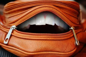 男生戴牙套好看吗戴牙套需要注意什么